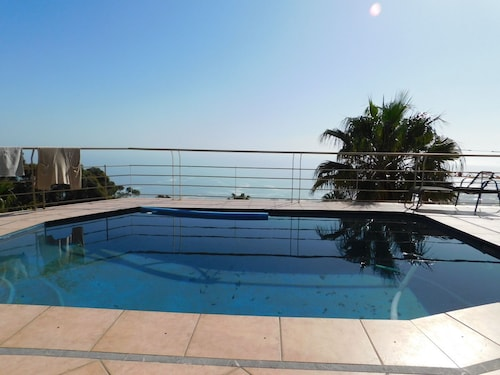 32 top road fresnaye