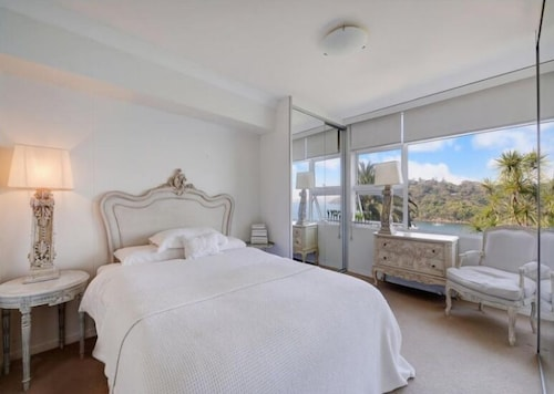 Elegant Waterfront Mosman Bay - RAG10