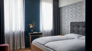 1 bedroom, hypo-allergenic bedding, in-room safe, blackout curtains
