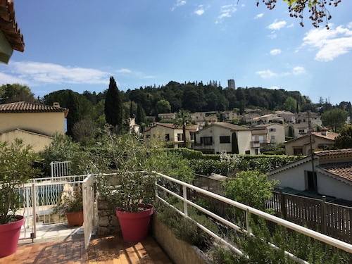 Beautiful Provencal Villa of Charm With Beautiful Views of Village and Castle