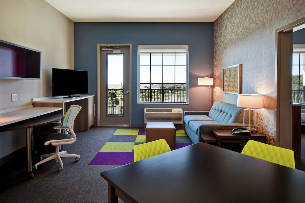 Room, Home2 Suites by Hilton Jekyll Island
