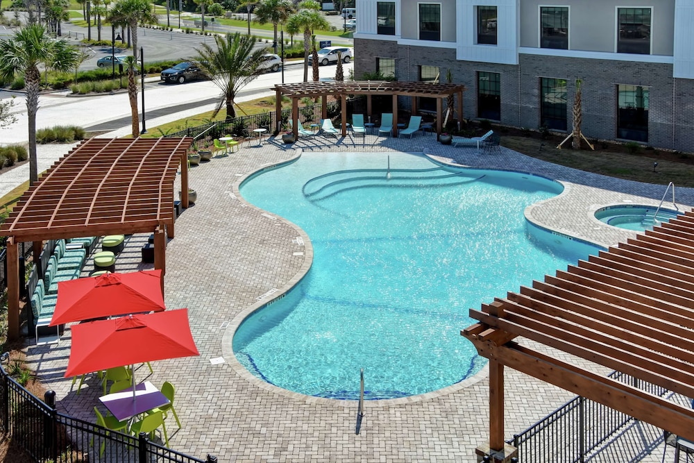 Pool, Home2 Suites by Hilton Jekyll Island