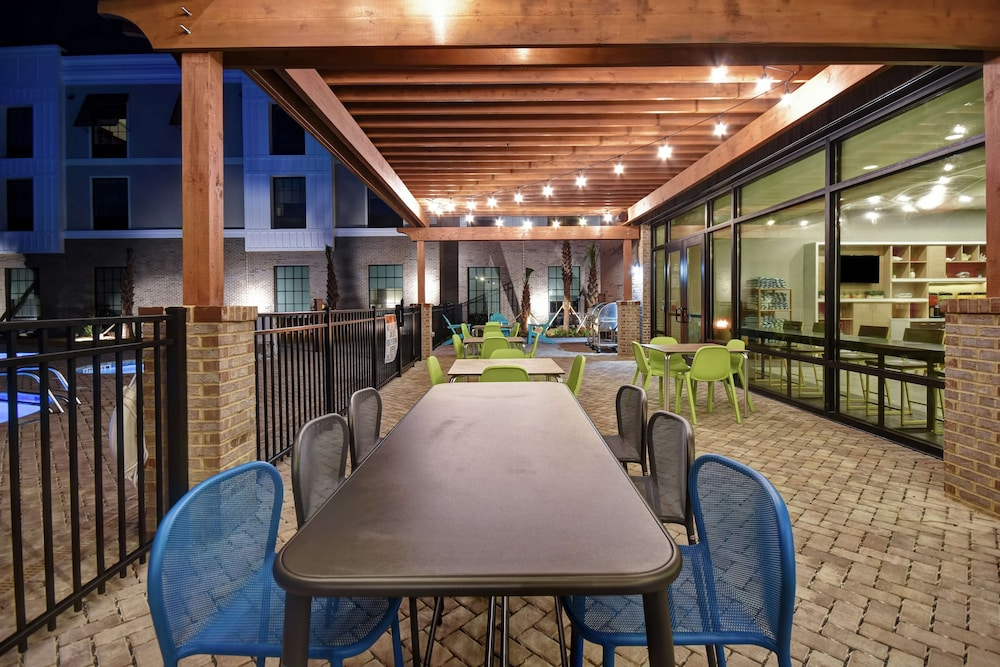 Terrace/Patio, Home2 Suites by Hilton Jekyll Island