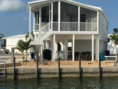 Island Retreat With 35 Foot Dock