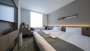 1 間臥室、羽絨被、房內夾萬、窗簾