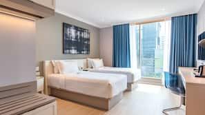 1 bedroom, premium bedding, desk, blackout curtains