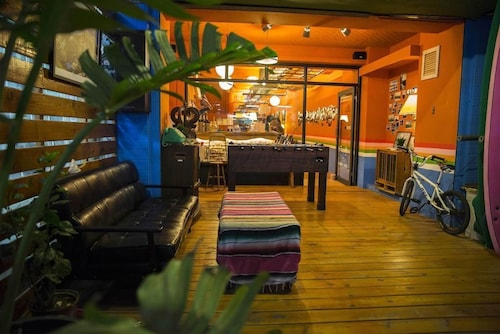 Rainbow Wave Surfing Hostel