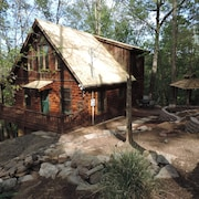 Cozy and Secluded Cabin in the Coosawattee River Resort