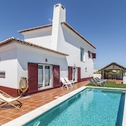 Traditional Villa in Comporta With Private Swimming Pool and Games Room