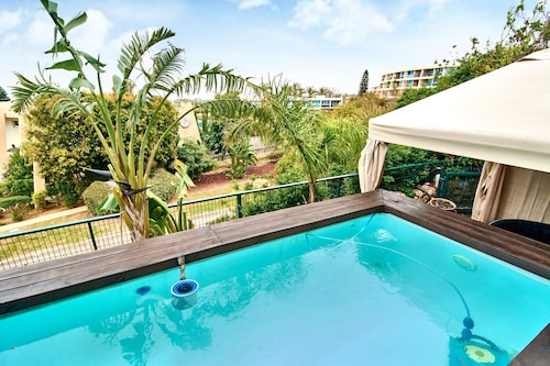 The Resort House - Amazing 3BD Holiday Apartments for Families and Couples