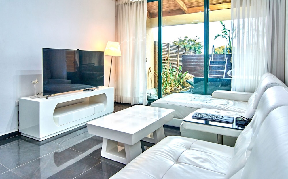 , The Resort House - Amazing 3BD Holiday Apartments for Families and Couples