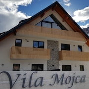 Villa Mojca - Apartments Lena for Family / Hike / Bike / Climb Lovers
