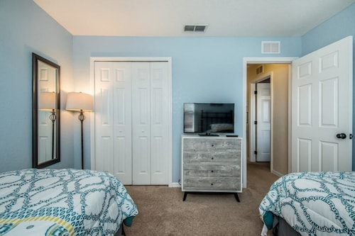 1104cal 4 Bedroom Townhome in a Resort Waterpark