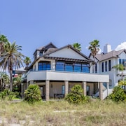 Atypical - Grayton Beach Gulf Front Home With Stunning Views, 5 Bikes