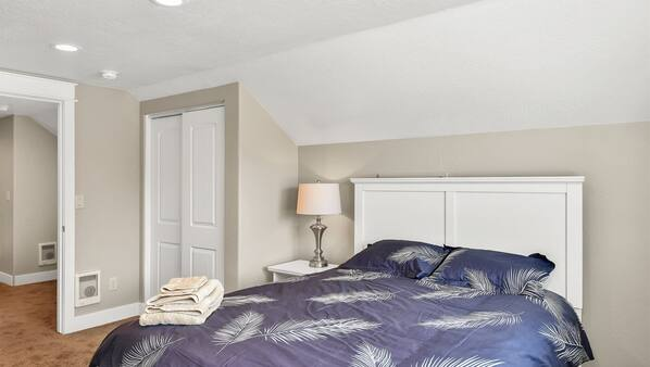 4 間臥室、上網、床單