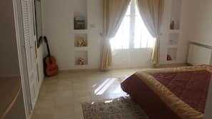 4 camere, biancheria da letto di alta qualità, postazione laptop