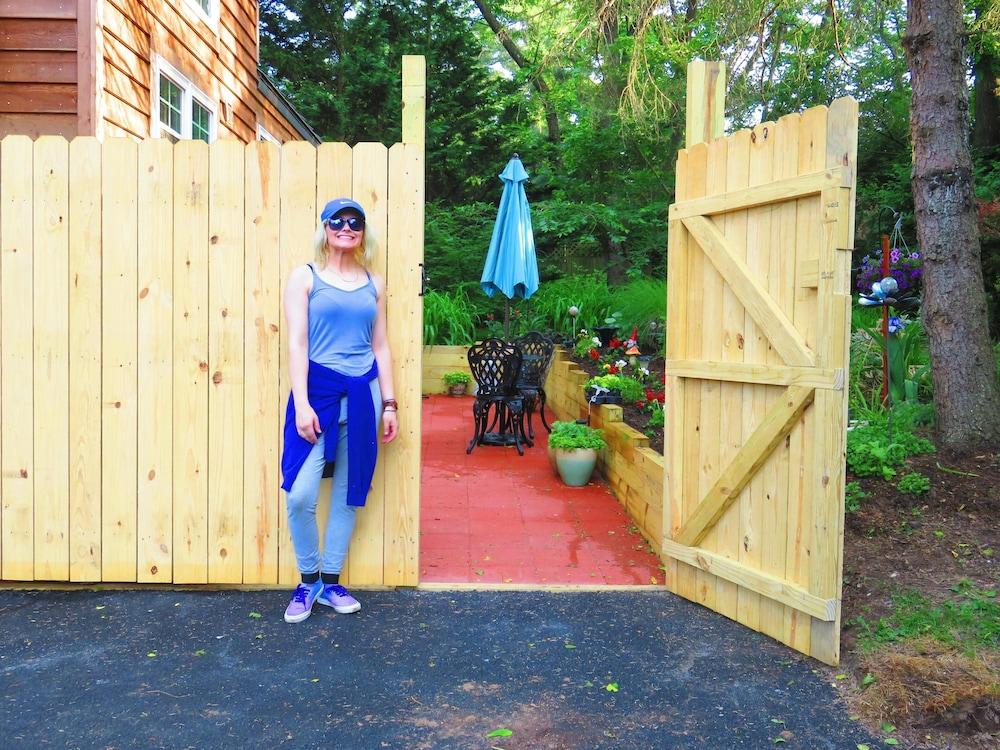 Zen Garden Art Studio Tiny Home With A Loft And Stairs Queen