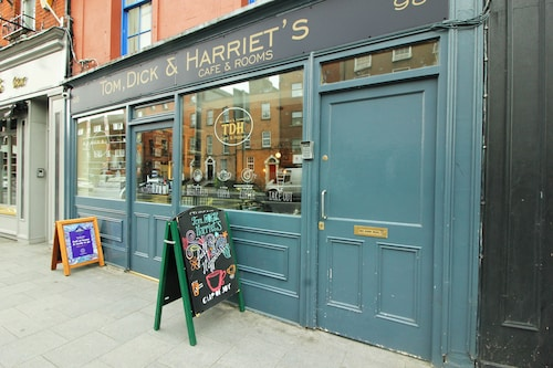 Tom Dick and Harriet's