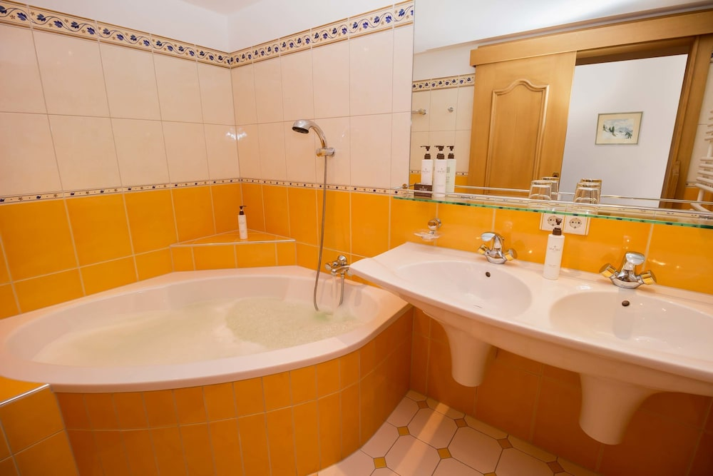 Bathroom, Hotel Kristberg