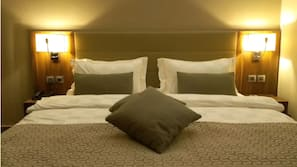Hypo-allergenic bedding, Tempur-Pedic beds, in-room safe