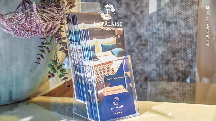 Hotel La Falaise Bonapriso