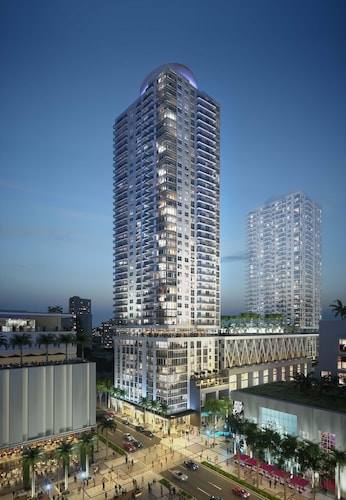 Churchill Suites at Miami Worldcenter