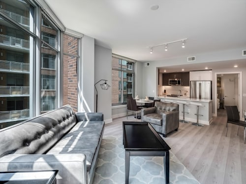 Modern Two Bedroom Apartments in Downtown Bethesda- Near Washington, DC