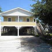 Outer Banks, Nags Head, Charming Cottage w/ hot tub on E Albatross St