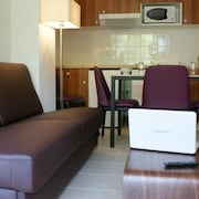 Surface Area : About 18-22 m². Living Room With Bed-settee. Kitchenette With Dishwasher, Microwave