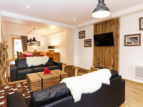 Chalet, Wifi, 300m From ski Lifts, Balcony, Parking, tv, ski Locker, 185m², Peisey-vallandry