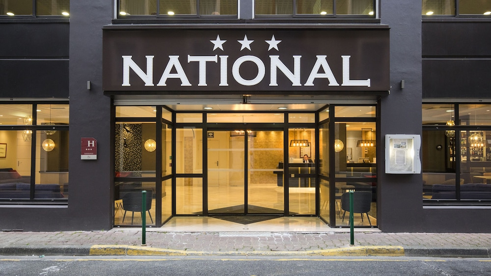 Front of Property, Hotel National
