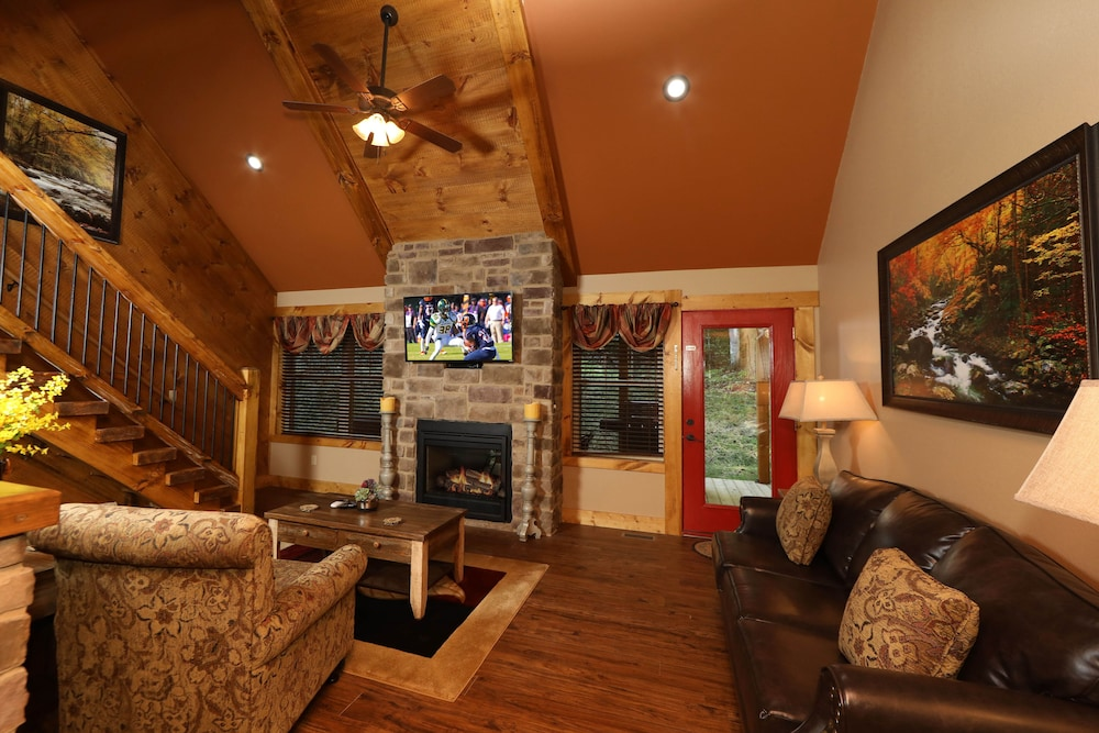 Interior, Misty Mountainside - Two Bedroom Chalet