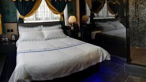 設計自成一格、家具佈置各有特色、窗簾、隔音