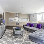 Luxury Bedford Riverside Apartment