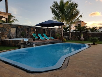 Villa With 4 Bedrooms in Albion, With Wonderful sea View, Private Pool, Enclosed Garden - 2 km From the Beach