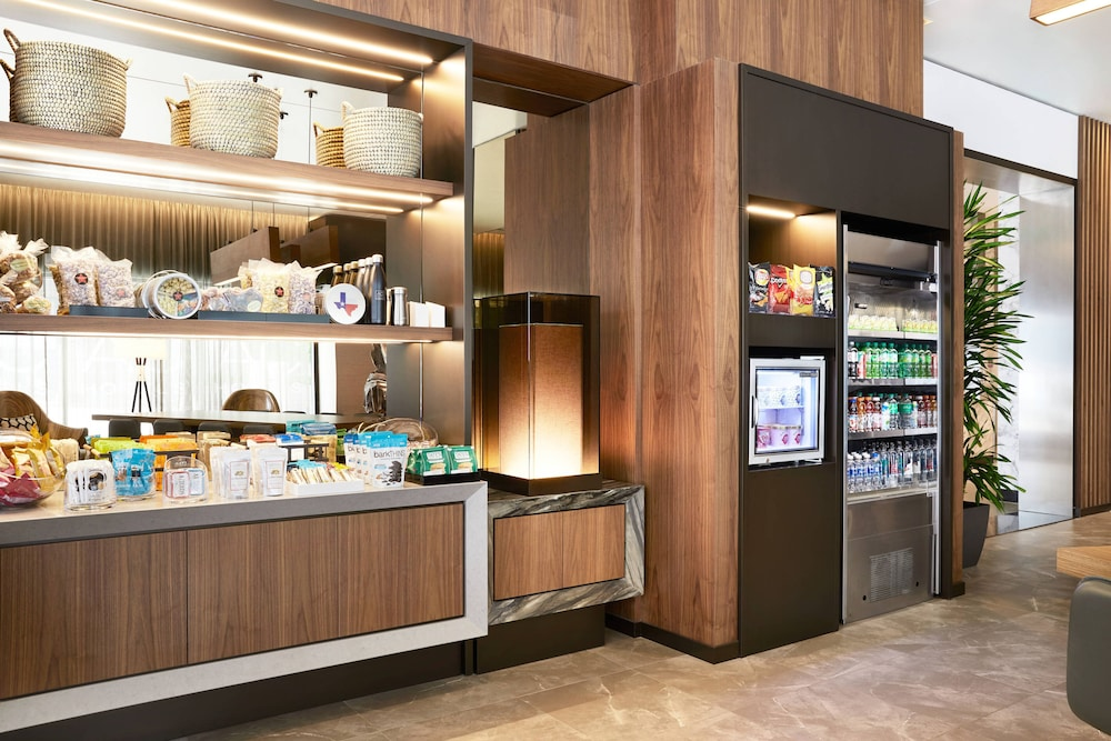 Gift Shop, AC Hotel by Marriott Houston Downtown