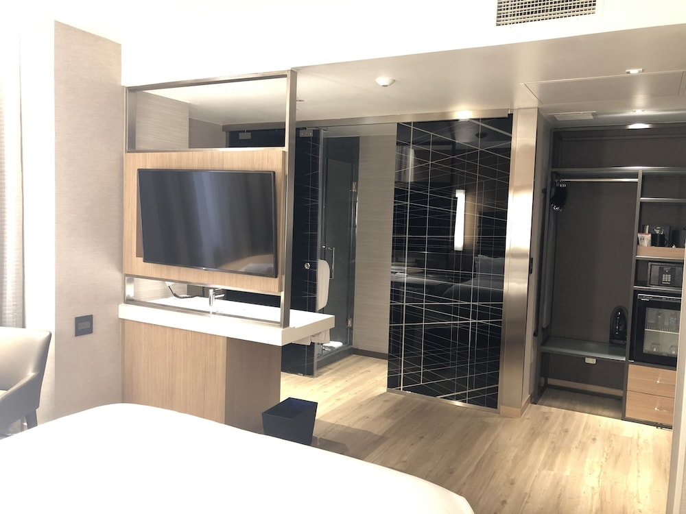 Room, AC Hotel by Marriott Houston Downtown