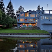 New! Spectacular 3,500 sq. ft. Lake House With Private Dock