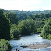 River Usk View - Three Bedroom House, Sleeps 6