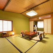 Hot Spring Inn With Fresh Breeze Hayashiya Ryokan