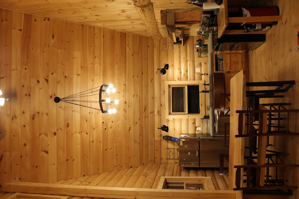 , Log Cabin in Picture Perfect Jackson, NH - Near Storyland in the White Mountains