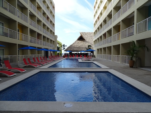Decameron Isla Coral - All Inclusive