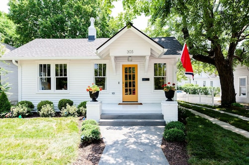 Charming Cottage 1 Block From Historic Franklin Tn's Main Street