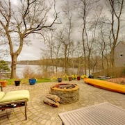 NEW Listing! Light-filled Lakefront Home w/ Deck, Firepit & Kayak/canoe/sups!