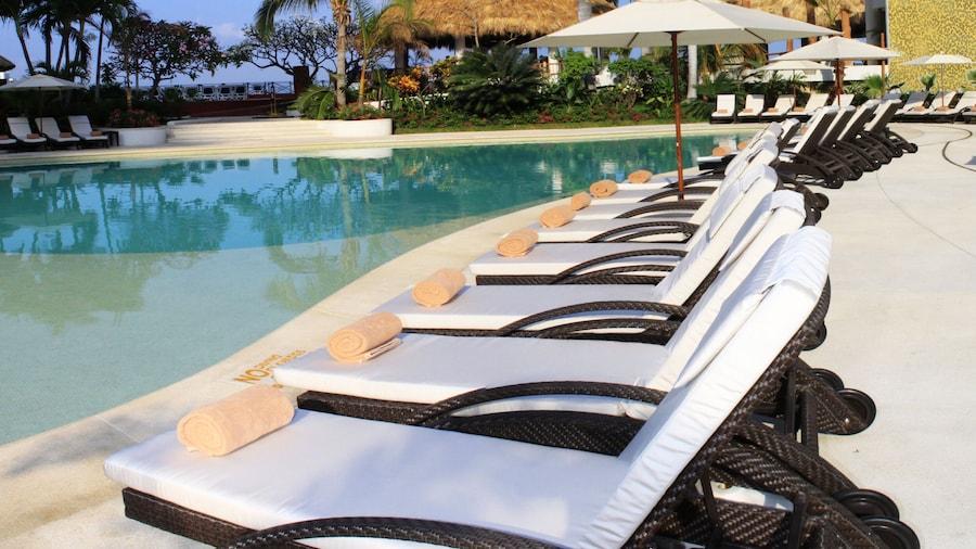 Dreams Acapulco Resorts & Spa - All Inclusive