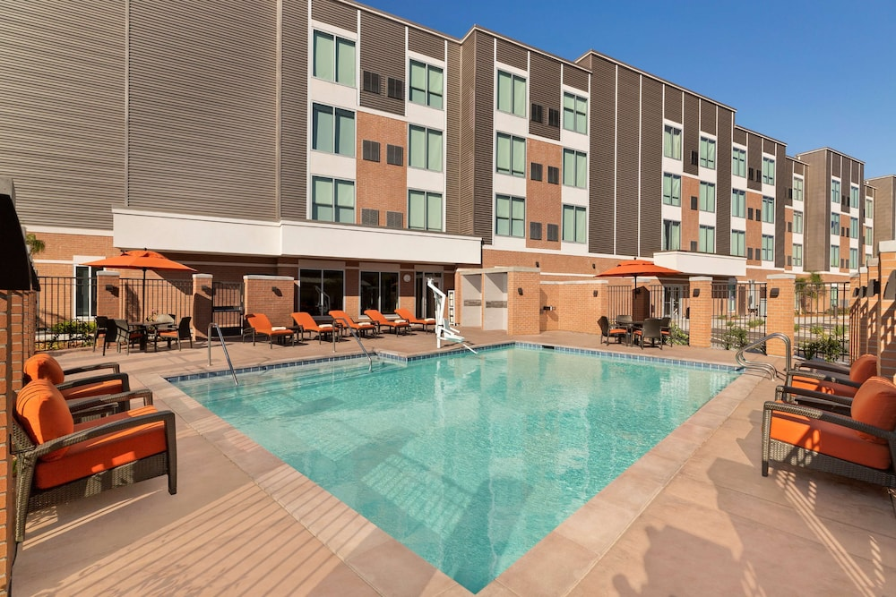 Pool, Hyatt Place Vacaville