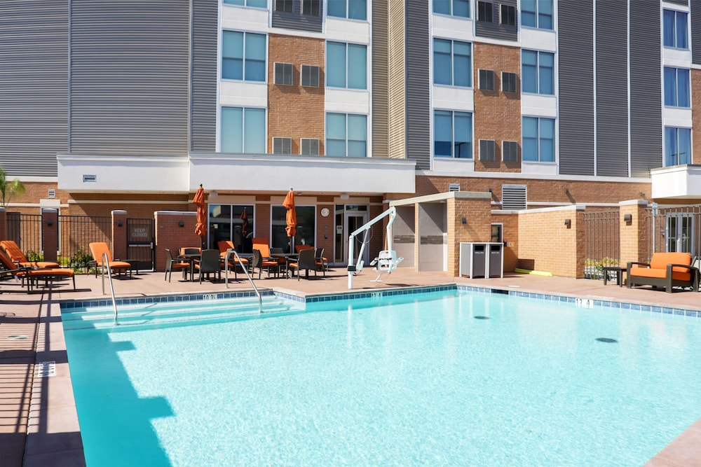 Outdoor Pool, Hyatt Place Vacaville