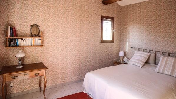 4 chambres, fer et planche à repasser, lits bébé, Wi-Fi