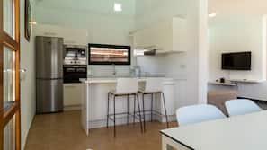 Full-sized fridge, microwave, oven, espresso maker
