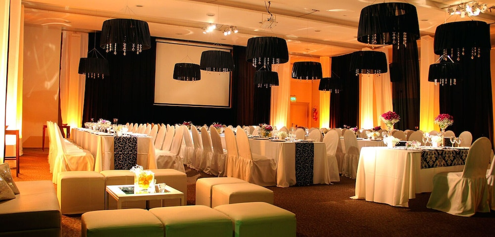 Banquet Hall, Maran Suites & Towers - Hotel & Spa